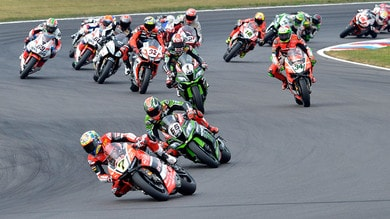 SBK Ducati: Davies su, Giugliano giù