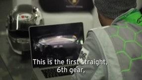 Dovizioso spiega come si gira a Valencia in Lamborghini