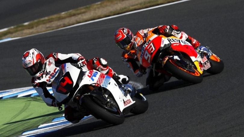 Alonso prova la Honda MotoGP insieme a Marquez