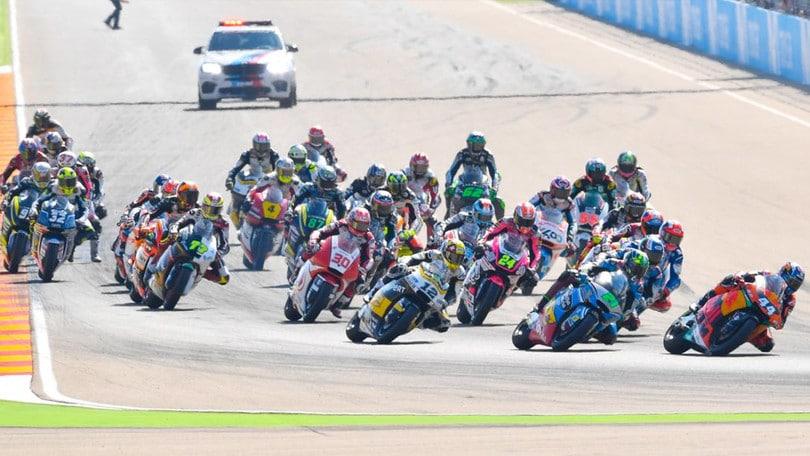 Moto2, Australia: vince Oliveira, Morbidelli allunga in classifica