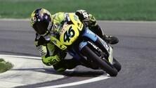 Rossi, sorpresa a Sepang: in pista con il casco del 1996 - FOTO