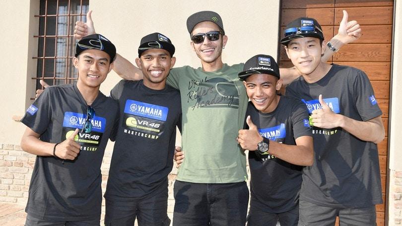 MotoGP: Rossi incontra gli allievi del Master Camp