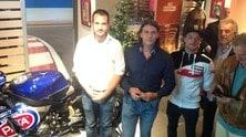 Alex Lowes inaugura MotoArt: FOTO