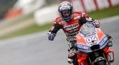 MotoGP Valencia, gara: Dovi più forte della pioggia