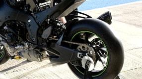 SBK: Kawasaki, gira la ruota! - VIDEO