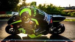 Valentino Rossi in minimoto con Celestino Vietti