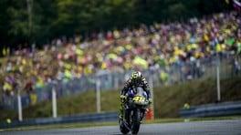 Valentino Rossi, c'è un problema motore sulla M1