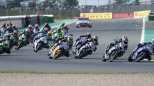 Supersport: la carambola al via di Magny Cours