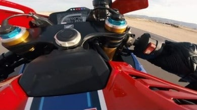 L'urlo della CBR 1000 RR-R: la Fireblade in pista ad Almeria