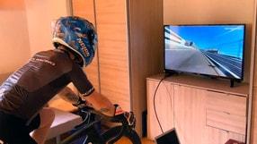 La quarantena di Melandri con il simulatore MotoGP - Il video