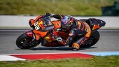 MotoGP, GP Repubblica Ceca: Binder regala la vittoria alla KTM