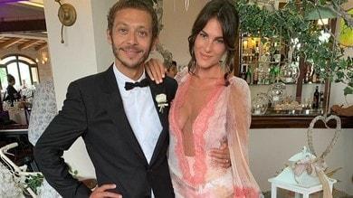 Nozze in vista per Rossi e Francesca? Spunta l'anello di fidanzamento...