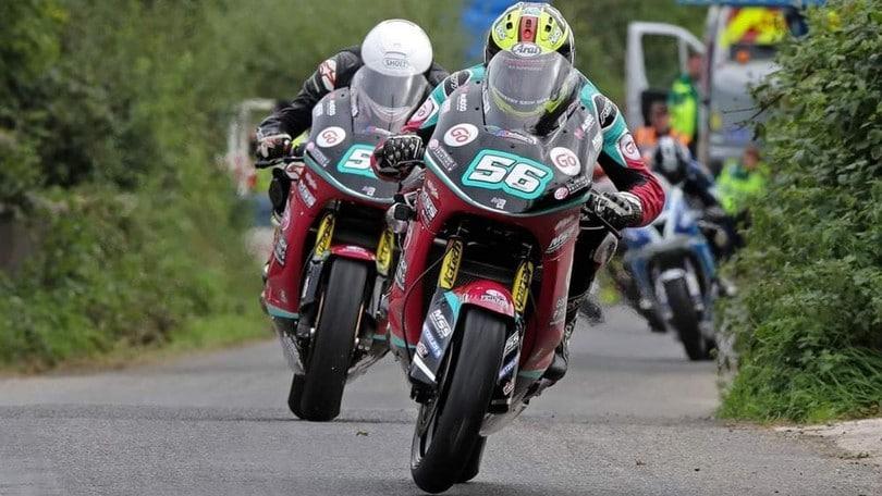 Road Races: Adam McLean e Darryl Tweed firmano con McAdoo Kawasaki