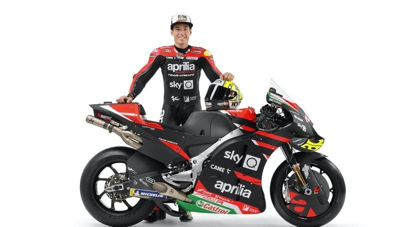 Aleix Espargaro con la nuova Aprilia RS-GP 2021