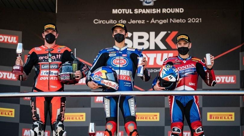 SBK Jerez, ruggito mondiale di Razgatlioglu: beffa Redding in Gara 2, 5° Rea